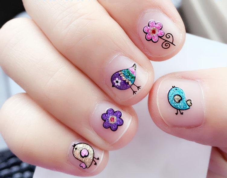 klistermärken naglar